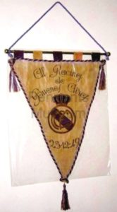 Embroidered pennant presented to Racing of Buenos Aires in 1949 - Real Madrid