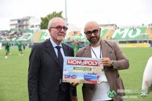 Il Presidente della Lega Pro Ghirelli riceve Monopoly – Edizione Monopoli dal Presidente del Monopoli Calcio
