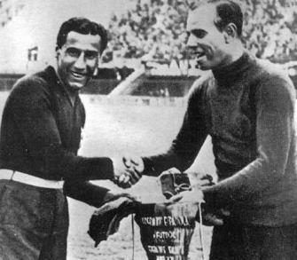 Pennants exchange before the RIMET World Cup 1934 match Italy vs Spain
