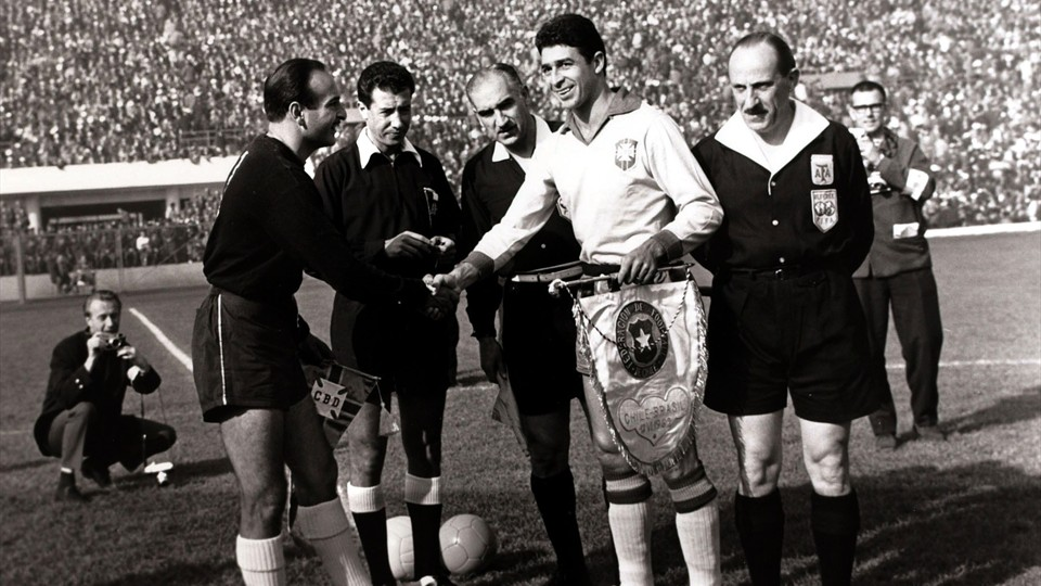 Pennants exchange before the RIMET World Cup 1962 match Brazil vs Chile