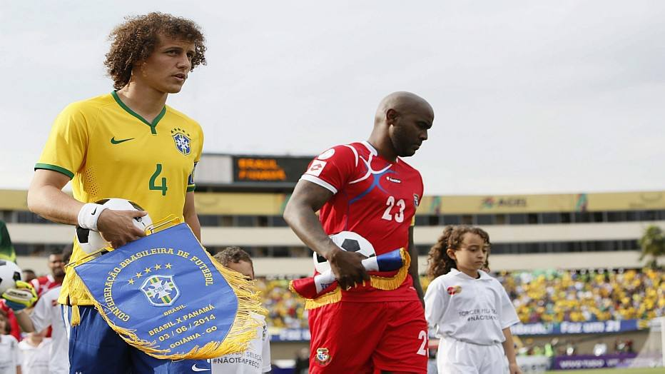 Pennants exchange before the friendly match Brazil vs Panama played in 2014