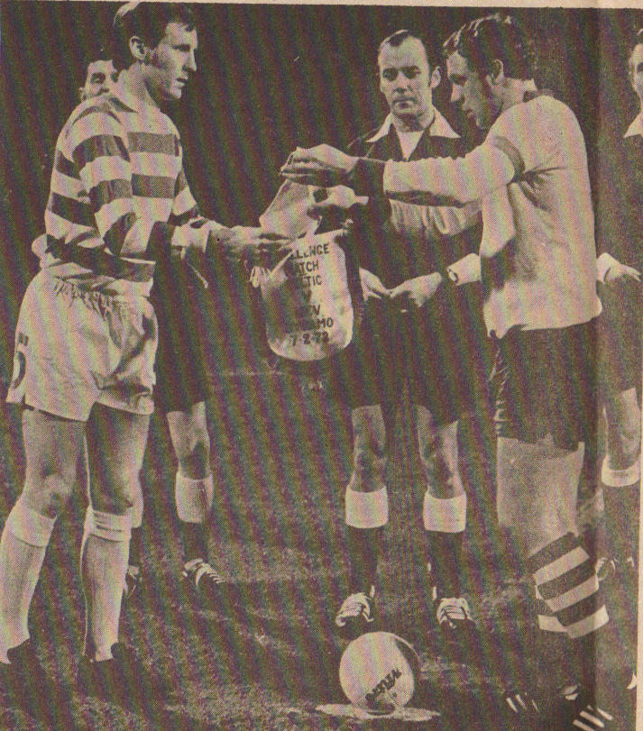 Pennants exchange before the match Celtic Glasgow vs Dinamo Kiev played in 1972
