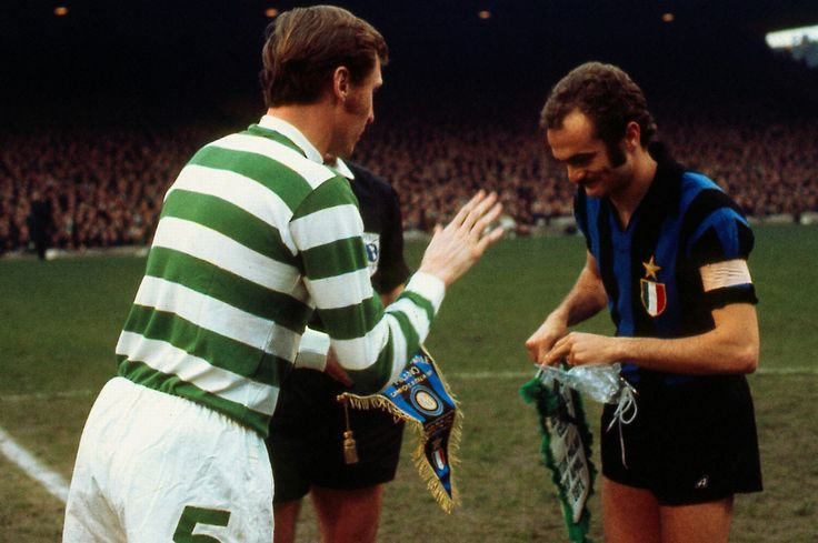 Pennants exchange before the Uefa European Clubs Champions' Cup semifinal Celtic vs Inter played in 1971