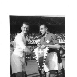 Pennants exchange before the match Hungary vs Switzerland played in 1948