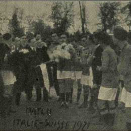 Italy vs Swtzerland lines up before the match played in 1921