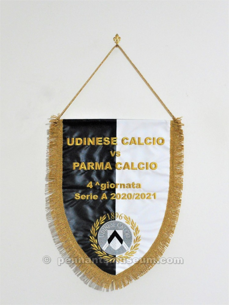 Embroidered pennant swapped between captains before the Serie A match Udinese vs Parma season 2020 - 2021
