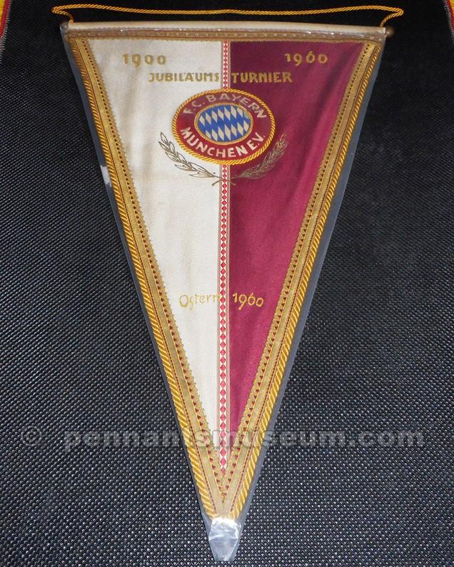 Gagliardetto utilizzato in occasione del torneo disputato per il sessantesimo anniversario del club