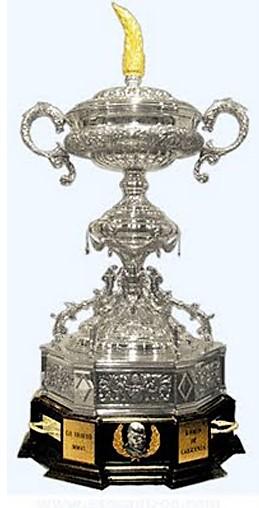 Il trofeo assegnato alla squadra vincitrice