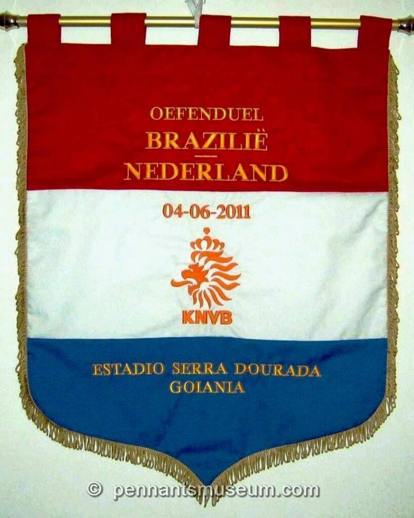 Gagliardetto amichevole Brasile – Olanda giocata nel 2011