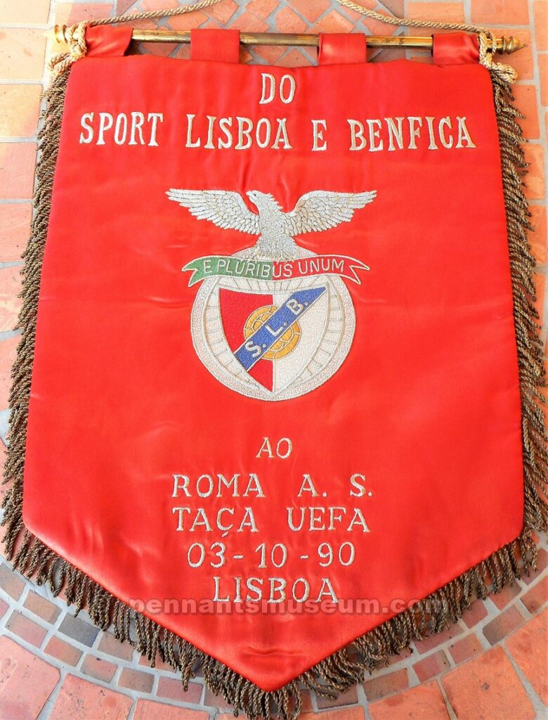 Embroidered pennant of the UEFA cup match Benfica S.L. vs Roma played in 1990