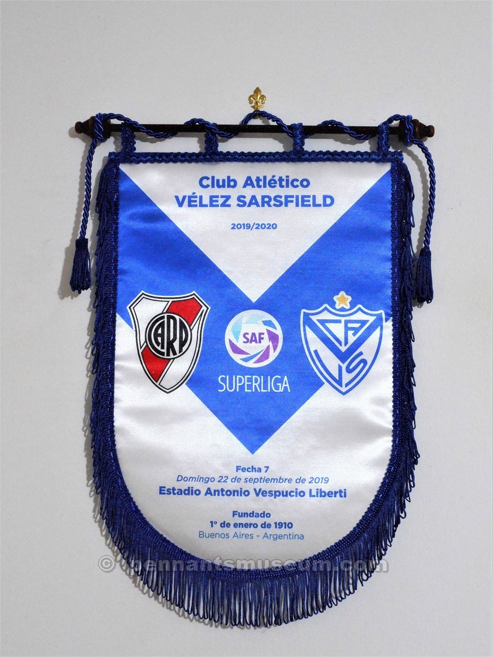 Printed pennant issued for the Argentine SuperLiga match River Plate vs Velez played on the 22nd September 2019