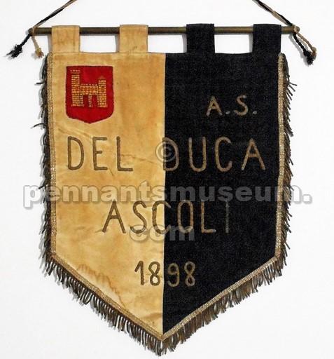 Il gagliardetto del Del Duca Ascoli negli anni Cinquanta